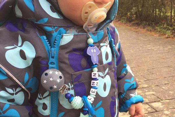 jojos-lieblingsstuecke-blogbeitrag-nuckelkette-mit-namen